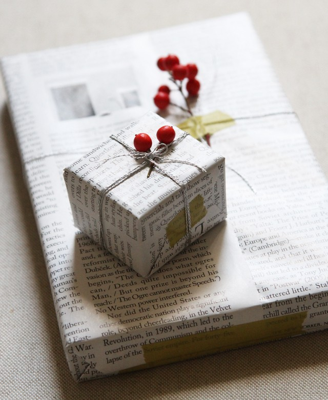 diy-gift-wrapping-with-newspaper-and-berries-remodelista