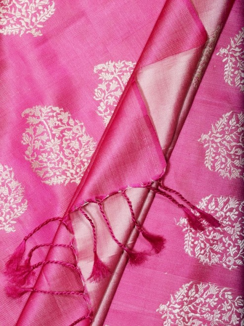 Mubarakpur Weaves